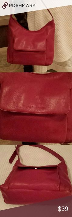 STONE MOUNTAIN RED POCKETBOOK GORGEOUS RED LEATHER POCKETBOOK WITH FRONT FLAP POCKET, ZIPPERED POCKET ON BACK. HOLDS CELL INSIDE WITH PERFECT BLACK LINED INTERIOR. BARELY USED. LIKE NEW STONE MOUNTAIN Bags Shoulder Bags