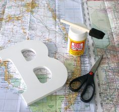 DIY Map Letters Tutorial Step by Step DIY Crafts with Maps is part of The Office Sorority crafts - Don't discard those travel maps Make these fun DIY Map Letters The whole family can take part in this super cool Summer craft project Easy DIY Projects Map Crafts, Diy And Crafts, Diy Interior, Summer Diy, Summer Crafts, Easy Diy Projects, Craft Projects, Craft Ideas, Decoration Restaurant