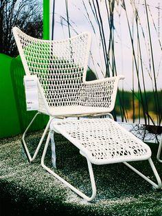<p><strong>I ett vintervitt Stockholm bjöd vi igår in till pressvisning av årets utemöbler och vårnyheter på IKEA. Intresset var stort, närmare 100 journalister var på plats.</strong></p> <p>Ett tunt snötäcke hade lagt sig som en frostig yta på vår utställning i Arkitekturmuseets trädgård på Skeppsholmen, en kul kontrast till de somriga färgerna och den inspelade fågelsången.</p>