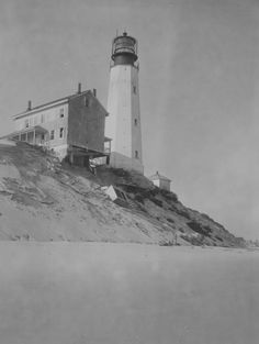 Cape Henlopen Lighthouse still stands tall in Cape Region history - By Nick Roth Delaware Bay, Delaware Facts, Lewes Delaware, Beacon Tower, Delmarva Peninsula, Lighthouse Pictures, Bethany Beach, Rehoboth Beach, Beacon Of Light