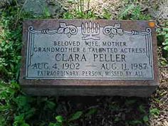 "Clara Peller - Wendy's spokesperson, ""Where's the Beef?"" A retired Chicago manicurist, Peller would embody Andy Warhol's minutes of fame"" adage when she was plucked from obscurity to star in a commercial for the then struggling Wendy's fast food chain. Cemetery Angels, Cemetery Art, Grave Monuments, Famous Tombstones, Weird Trees, Famous Graves, Old Cemeteries, Stone Statues, Grave Memorials"