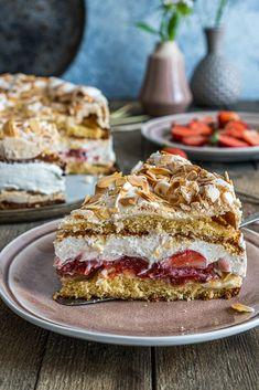 Baking Recipes, Cake Recipes, Dessert Recipes, Crab Apple Recipes, Easy Desserts, Delicious Desserts, Lucky Food, Ground Beef Recipes Easy, Sweet Bakery