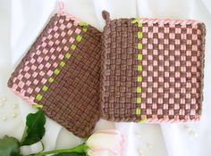Potholders Handwoven, Hand Dyed Cotton Loops Kitchen Decor Cottage Chic Gift, Brown and Pink Potholder Loom, Potholder Patterns, Loop De Loom, Loom Weaving, Hand Weaving, Homemade Potholders, Weaving For Kids, Weaving Patterns, Handmade Home