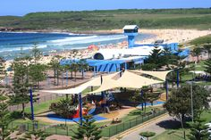 This is the picture I took today of Maroubra beach from my gym window Sydney Beaches, Australia Travel, Day Trip, Maldives, Good Day, Las Vegas, Golf Courses, Surfing, Good Things