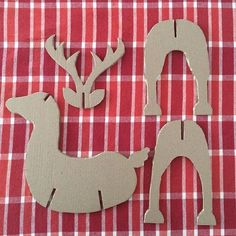 7 Templates to decorate a home with children at Christmas Easy Christmas Decorations, Wooden Christmas Ornaments, Christmas Tree Crafts, Christmas Projects, Holiday Crafts, Diy And Crafts, Crafts For Kids, Paper Crafts, Santa Crafts