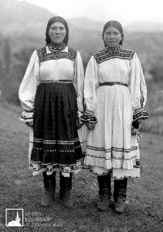 June 24 - Day of Universal exit - female traditional Transylvanian Shirts Folk Costume, Costumes, Peasant Blouse, Traditional Dresses, Old Photos, Blouses For Women, Russia, Black And White, June 24
