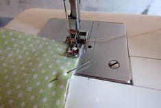 Nem megy a cipzár varrás? … Mutatom! – Varrott Világom Sewing Crafts, Sewing Projects, Purses, Knitting, Crochet, Zip, Bags, Farmer, Coin Purses