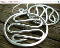 Aluminum Wire Jewelry Hammered Aluminum Earrings Funky Earrings SIlver Hammered Earrings Wave Hoops Unique Earrings Teen Clip Ons