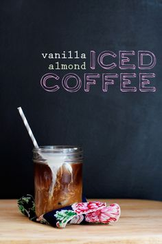 Vanilla-Almond Iced Coffee / Cindy Ensley // Hungry Girl por Vida- I LOVE this simple homemade creamer. I really want to try and adapt it to make other flavors. Coffee Break, Iced Coffee, Coffee Drinks, Morning Coffee, Coffee Cake, Coffee Creamer, Sunday Morning, Yummy Drinks, Yummy Food