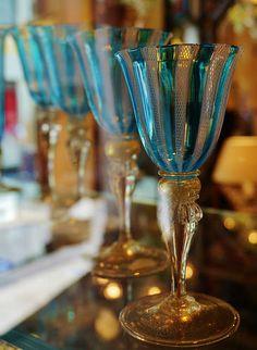Murano Glass Art ca Murano Glass, Venetian Glass, Cut Glass, Glass Art, Flute Champagne, Teal And Gold, Aqua Blue, Hand Blown Glass, Colored Glass