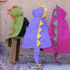 capa infantil disfraz dinosaurio con cola en peluche