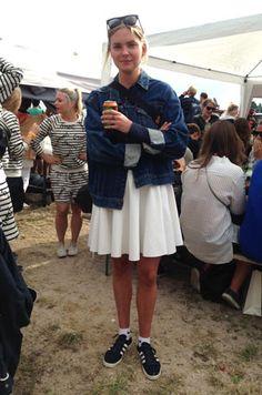 Street style: God stil på Roskilde dag #1 - Eurowoman Festival Outfits, Festival Fashion, Festival Looks, Festival Style, Spring Summer Fashion, Spring Outfits, Berlin Fashion, Street Fashion, Aesthetic Clothes