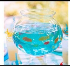 Blue jello + gummy fish = fish bowl jello- what a fun block party idea :) Blue Jello, Vodka Blue, Fish Bowl Jello, Jello Cups, Gummy Fish, Jelly Fish, Jelly Beans, Swedish Fish, Festa Party