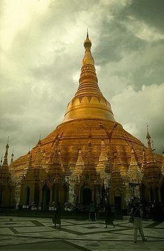 Pagoda Shwedagon, Yangon -   Shwedagon Paya, Yangon (August 2003)    #Myanmar #Burma #Tour
