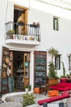 Bar Monalisa Ibiza (Ibiza Town) - 2020 What to Know Before You Go (with Photos) - Tripadvisor Old Town Ibiza, Cool Restaurant, Tapas Bar, Balearic Islands, Porch Swing, Coffee Shop, Trip Advisor, House Design, Outdoor Decor