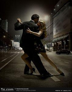 Танцующие люди (38 фото)