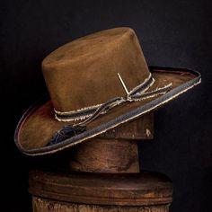 beaver felt fedora, made in USA Mens Cowboy Hats, Western Hats, Knit Hat For Men, Hats For Men, Women Hats, Fadora Hats, Painted Hats, Stylish Hats, Kentucky Derby Hats