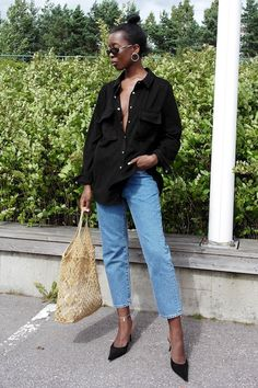 Blogger Sylvie Mus mastered an incredibly cool outfit with a suede shirt that we can't wait to try.