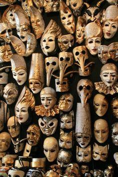 Masquerade/Carnival Masks in Venice shop. Arte Punch, Pierrot Clown, Costume Venitien, Venice Mask, Arte Obscura, Venetian Masks, Venetian Masquerade, Masks Art, Masquerade Ball