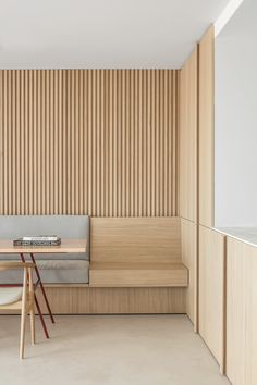Residence LC is a minimalist home located in Knokke, Belgium, designed by Nils Van der Celen Office Interior Design, Office Interiors, Japan Interior, Cafe Design, House Design, Note Design Studio, Banquette Seating, Kitchen Trends, Large Furniture