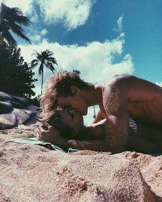 Cute Couples Photos, Cute Couple Pictures, Cute Couples Goals, Couple Photos, Couples At The Beach, Summer Couples, Cute Couples Kissing, Teen Couples, Couple Ideas