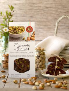 #foodography: #cantucci al cacao con mandorle e pistacchi dei Sapori del Lago nero by #protocol Cacao, Biscuits, Almond, Cereal, Display, Breakfast, Food, Pistachios, Crack Crackers