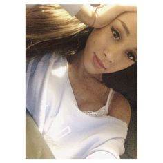 The Most Stylish Selfie of Day ariana grade