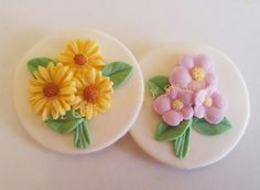 Easter Spring Daisy Flower Bouquet Gumpaste Fondant Edible Cupcake Toppers Set by JECreativelySweet on Etsy