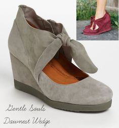 Gentle Souls Dawnest Wedge: flaxseed pillows for arch support, soft deerskin linings and adjustable tie closure. So cute with tights!