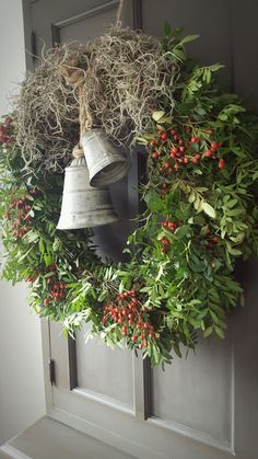 Today made a large wreath of 50 cm. (Deco House 33 from Elburg) . - Today made a large wreath of 50 cm. (Deco House 33 from Elburg) - Christmas Open House, Christmas Bells, Country Christmas, Outdoor Christmas, Christmas Time, Christmas Crafts, Christmas Decorations, Holiday Decor, Deco House