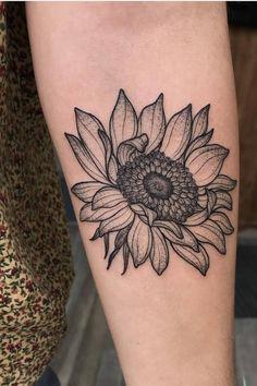 Dope Tattoos, Body Art Tattoos, Girl Tattoos, Small Tattoos, Tatoos, Sunflower Tattoos, Sunflower Tattoo Design, Flower Tattoo Designs, Cover Up Tattoos For Women