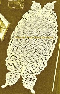 Claudinha crochet: How much beautiful thing Filet Crochet, Crochet Doily Patterns, Crochet Chart, Thread Crochet, Irish Crochet, Crochet Designs, Crochet Doilies, Crochet Table Runner, Crochet Tablecloth