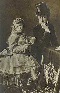 Countess Marie Larisch von Wallersee-Moennich and Archiduchesse Habsburg Maria Valeria of Austria