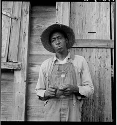 Napa Valley, California. Near Ontario, Malheur County, Oregon. Mother and baby of family on the road. Tulelake, Siskiyou County, California. Cotton worker in Sunday clothes. Near Blytheville, Arkansas. The Arnold children and mother on their newly fenced and newly cleared land. Note strawberry…