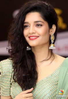 Beautiful Girl Photo, Beautiful Girl Indian, Most Beautiful Indian Actress, Beautiful Actresses, Cute Little Baby Girl, Cute Girl Face, Rithika Singh, Sai Pallavi Hd Images, Indian Girls Images