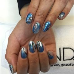Mani Monday: Negative Space Ombre Nails