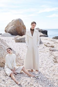 Co Resort 2016 Fashion Show - Look 3 Foto Fashion, Fashion Shoot, Fashion Week, Editorial Fashion, Beach Editorial, Editorial Photography, White Editorial, White Photography, Minimal Fashion
