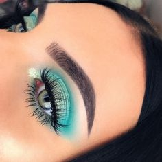 Mint green vibes 💚🐬 please tag Huda Beauty & Евгений Худин if … Mint Eyeshadow, Green Eyeshadow Look, Eyeshadow Looks, Eyeshadow Makeup, Eyeshadow Palette, Eyeshadows, Mint Makeup, Makeup For Green Eyes, Huda Beauty