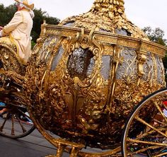 Image about carriage in aes// Cinderella by spooky bren christmas Cinderella Aesthetic, Princess Aesthetic, Disney Aesthetic, Queen Aesthetic, Cinderella 2015, Cinderella Coach, Cinderella Carriage, Cinderella Castle, Have Courage And Be Kind