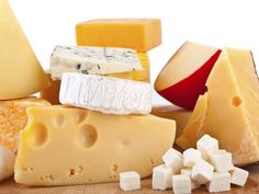 If youre a cheese lover, you might be finding it hard to let go of your favorite foods in favor of a cholesterol-lowering lifestyle. Fortunately, you can still have your cheese - and eat it, too - with these healthy tips on including cheese in your diet. Cheese Shop, Cheese Lover, Foods For Migraines, Lower Cholesterol Diet, Video Humour, Food Signs, Can I Eat, Cheese Nutrition, Pasta Nutrition