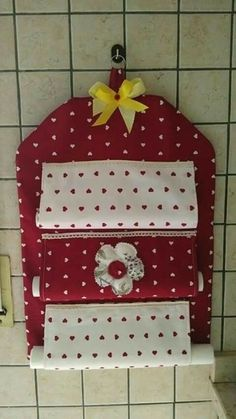 Wall Hanging Storage, Hanging Organizer, Small Sewing Projects, Sewing Crafts, Diy Y Manualidades, Creation Couture, Felt Fabric, Sewing For Beginners, Flower Crafts