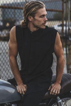 Top 30 Popular Men's Hairstyles That Looks Cool 2020 - The Hust Trending Hairstyles For Men, Popular Mens Hairstyles, Hair And Beard Styles, Long Hair Styles, Jace Lightwood, La Mode Masculine, Outfits Damen, Man Bun, Cute Guys
