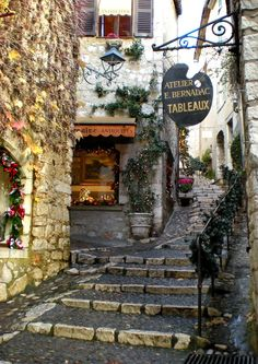 Photo: Shawnie Kelley/ St. Paul de Vence, France  www.wanderlust-tours.com