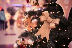 Welcome back to TSL's coverage of Christmas Celebrations Around the World! In Part 1 we were given an inside look at Christmas celebrations in Hong Kong, Vietnam, Croatia and Finland! Real Christmas Tree, Christmas 2015, Christmas Pictures, Christmas Themes, Christmas Decorations, Christmas Ornaments, Holiday Decor, Holiday Mood, Christmas Fairy