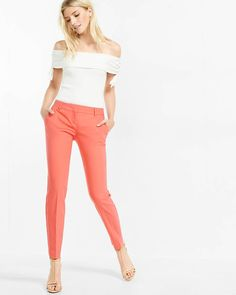 Our slim, flattering Columnist in a shortened length. This pant offers structure with a bit of stretch and a versatile hue that gives dressing up a fresh take.