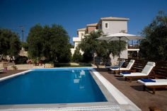 Maistros Apartments Tsoukal�dhes Located in Tsoukal?dhes, Maistros Apartments offers a garden and outdoor pool. Lefkada Town is 3.4 km away. Free WiFi is available throughout the property and free private parking is available on site.  The accommodation has a cable flat-screen TV.