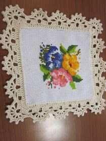 Hardanger crochet patchwork cover with delicate floral ornaments Crochet Blanket Edging, Crochet Edging Patterns, Crochet Lace Edging, Crochet Borders, Crochet Squares, Stitch Patterns, Diy Crafts Crochet, Crochet Home, Crochet Dolls