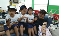 2015: SIK's Twitter Song Triplets with Appa for a Blood Donation Campaign