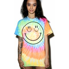Burger And Friends Smize Tee ($38) ❤ liked on Polyvore featuring tops, t-shirts, relax t shirt, short sleeve tee, tye dye t shirts, short sleeve graphic tees and short sleeve tops
