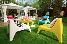 I want these chairs for garden! IKEA PS VÅGÖ Easy Chairs are perfect for lounging in the sun on a summer evening